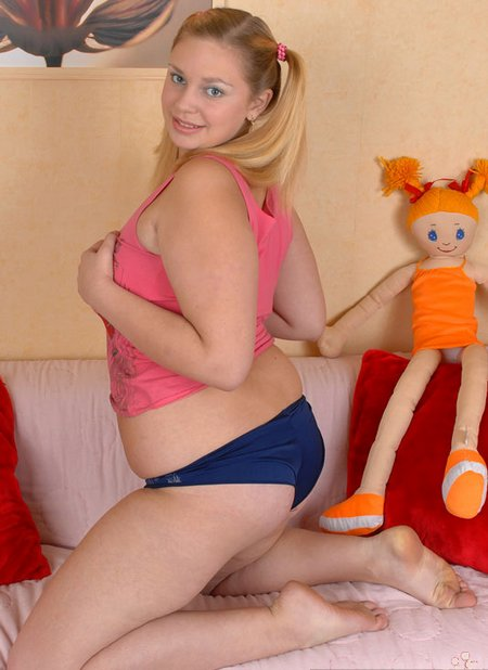 Sexy chubby with blond hair002